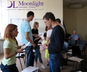 открытый урок языковой школы moonlight