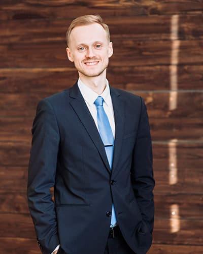 Андрей Блыш учитель языковой школы Moonlight