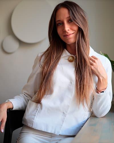 Юлия Светлович учитель языковой школы Moonlight